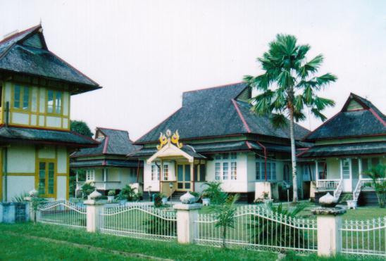 Keraton Sambas Objek Wisata Bersejarah di Kalimantan Barat